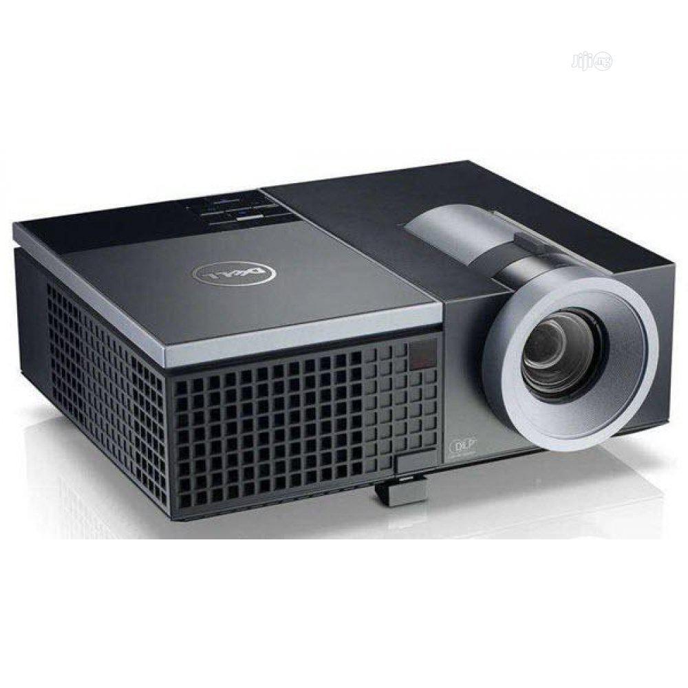 4100lumens XGA Conference Room Projector 4220 - Dell D111
