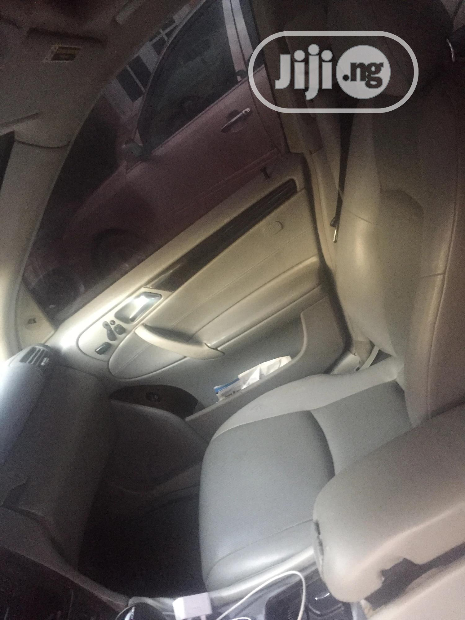 Mercedes-Benz C320 2004 Silver | Cars for sale in Wuse 2, Abuja (FCT) State, Nigeria