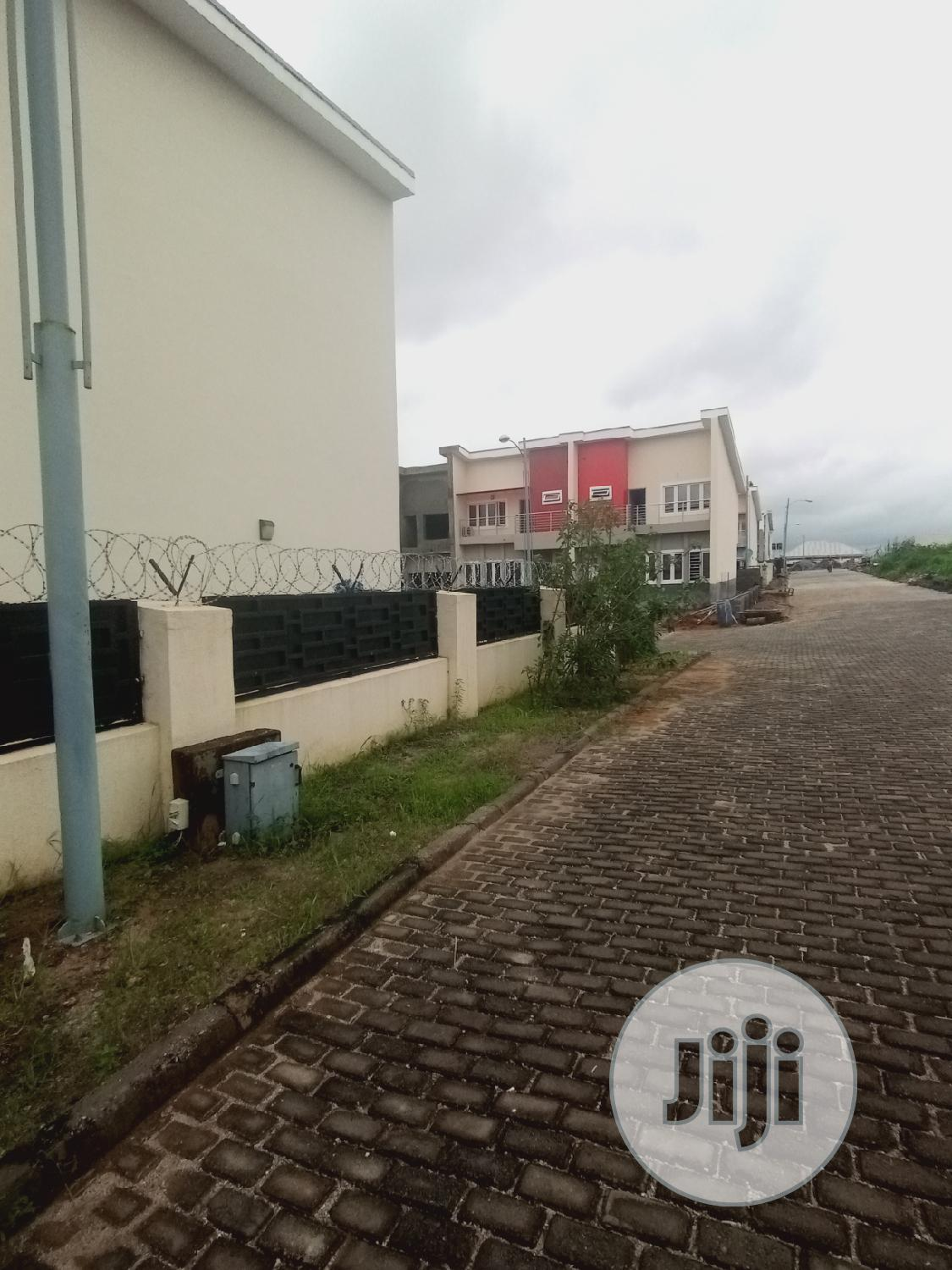 Tastefully Finished 4 Bedroom Terrace Duplex For Sale | Houses & Apartments For Sale for sale in Sabon Lugbe, Lugbe District, Nigeria