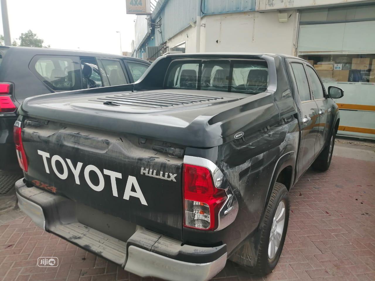 New Toyota Hilux 2019 SR5 4x4 Black | Cars for sale in Victoria Island, Lagos State, Nigeria