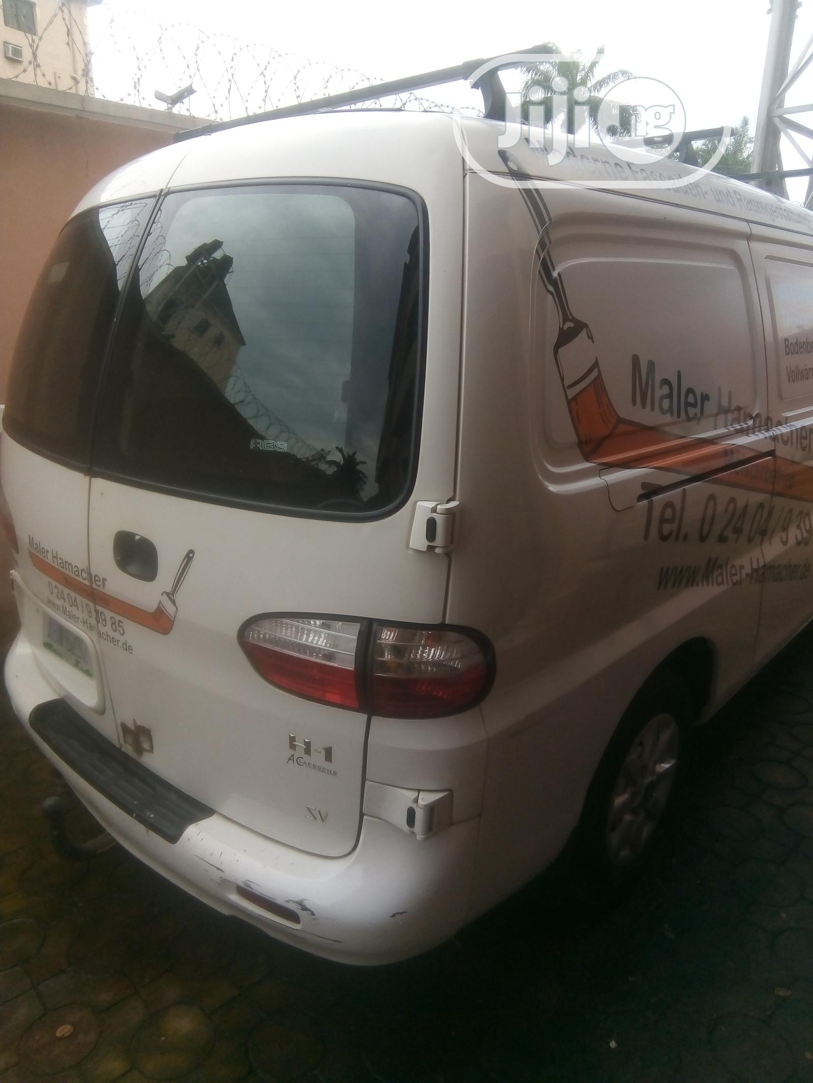 Archive: Hyundai H1, New, Neat And Tough
