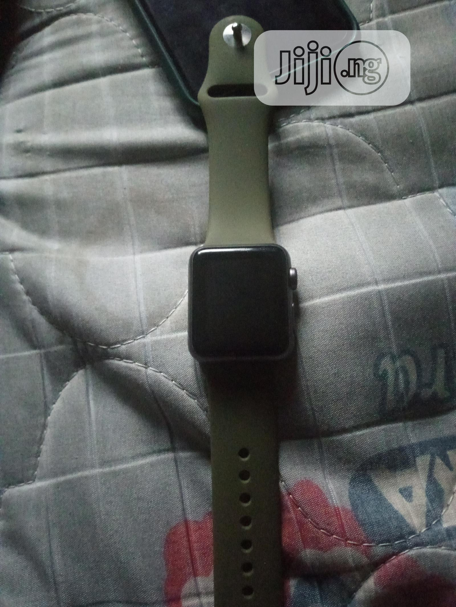 Archive: Apple Watch Series 1