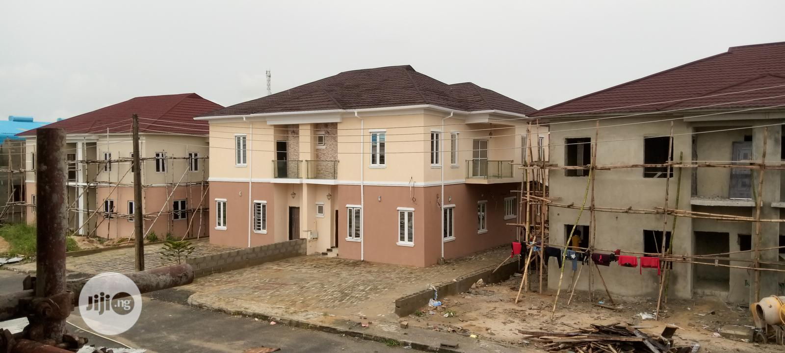 4 Bedroom Semi Detached House For Sale At Sapphire Garden