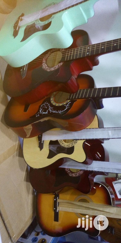 Acoustic/Box Guitar