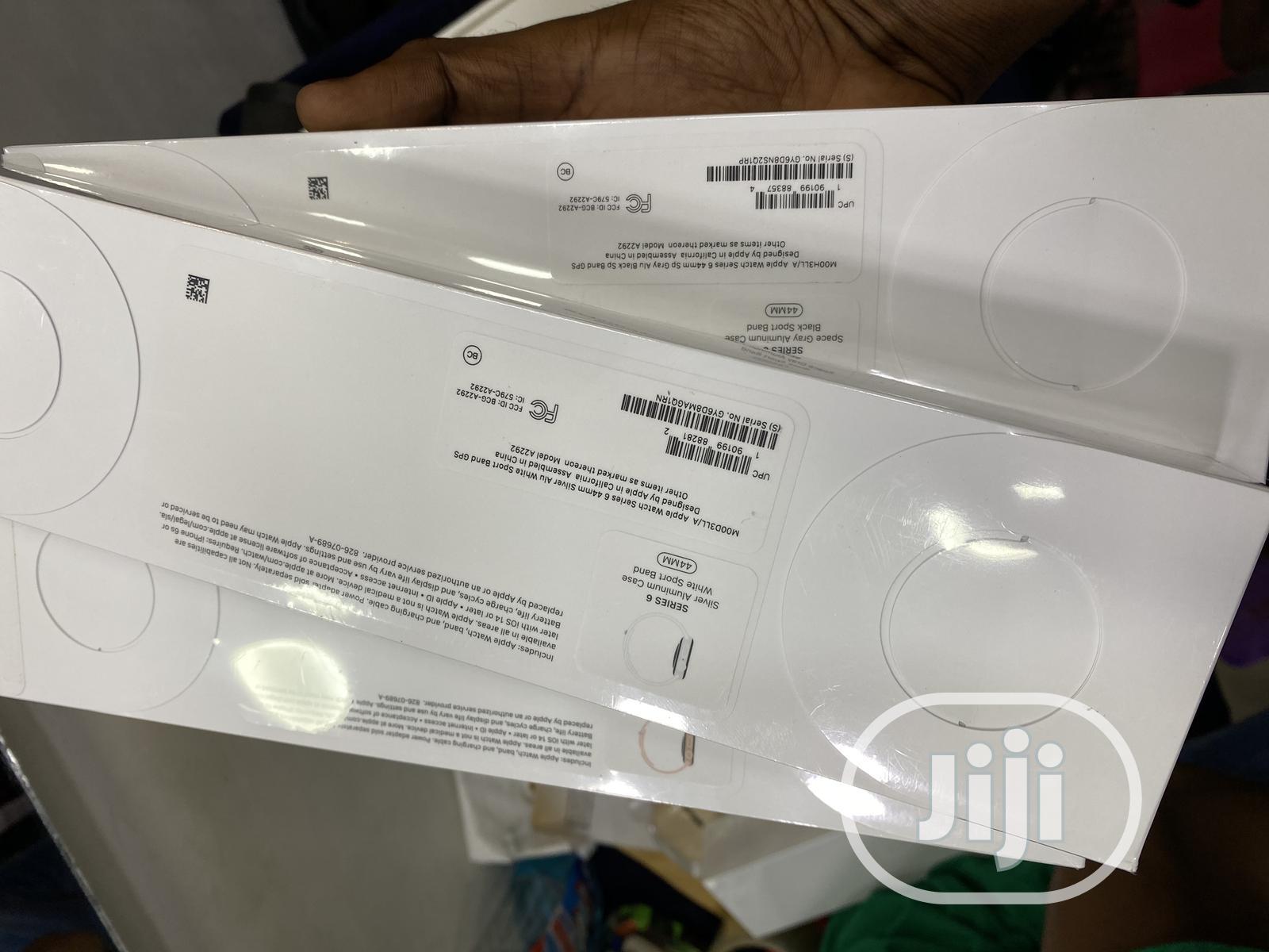 New Apple Watch Series 6 (40mm GPS + Cellular)
