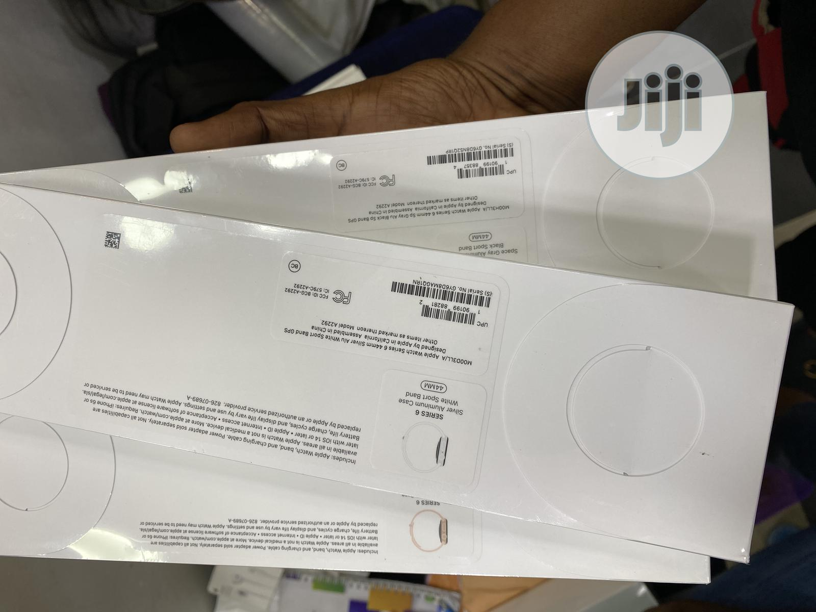 New Apple Watch Series 6 (40mm GPS + Cellular) | Smart Watches & Trackers for sale in Ikeja, Lagos State, Nigeria