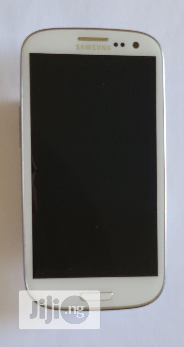 Samsung Galaxy S3 16 GB Gray