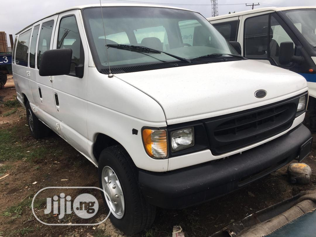 Ford E-250 Van Extended 2004 White | Cars for sale in Magodo, Lagos State, Nigeria