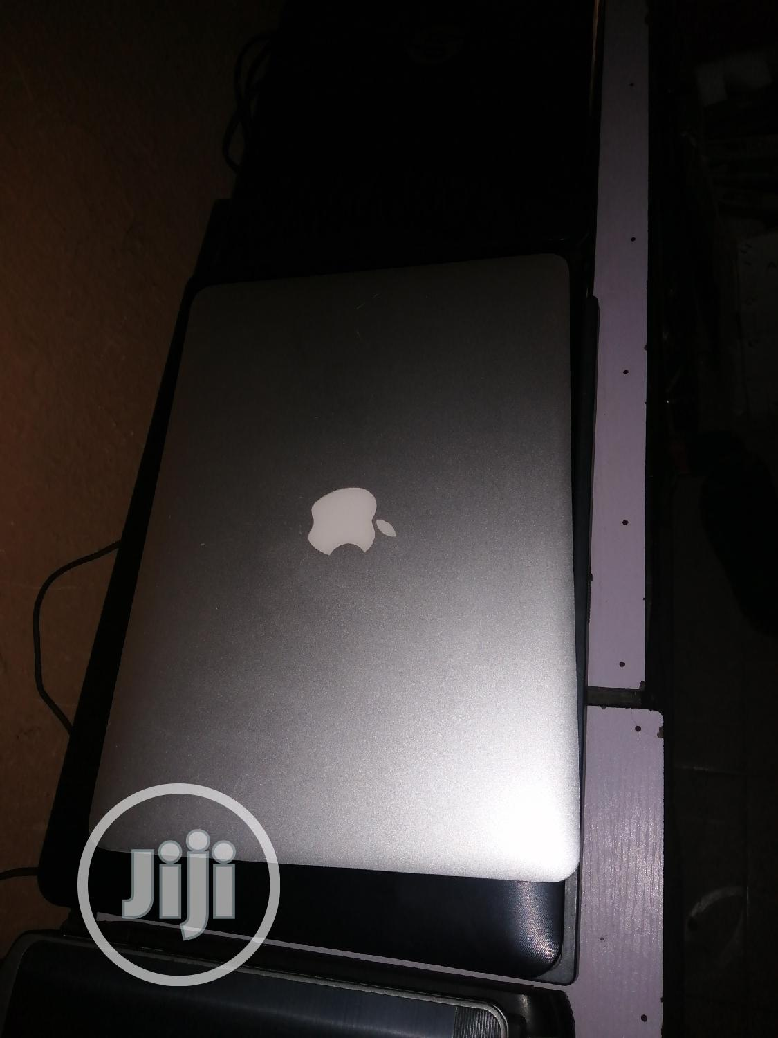 Laptop Apple MacBook Air 8GB Intel Core I7 SSD 256GB | Laptops & Computers for sale in Ojo, Lagos State, Nigeria