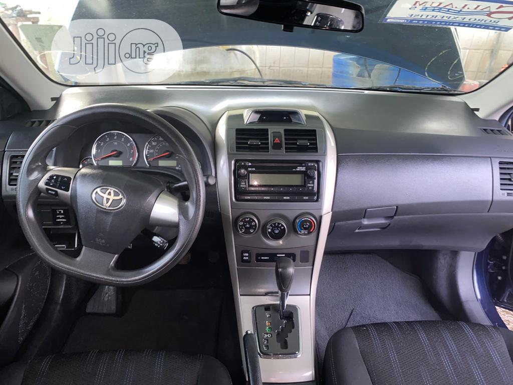 Archive: Toyota Corolla 2013 S 5-Speed Blue