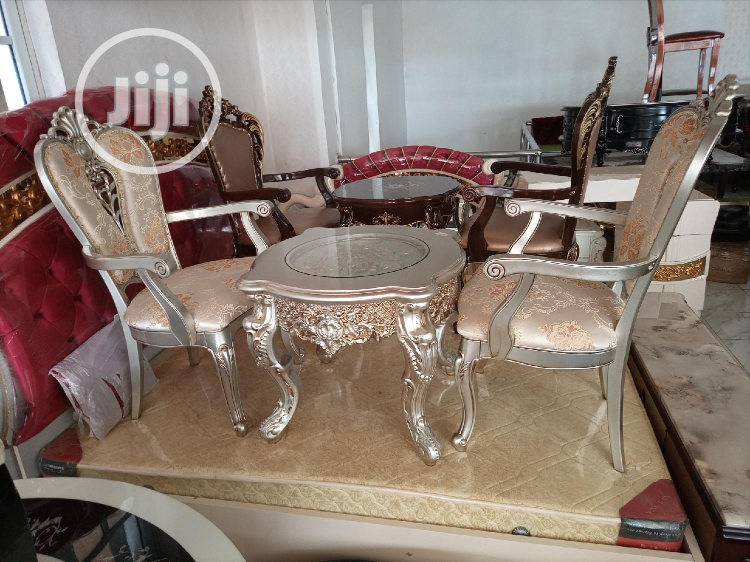 Super Quality Set of Royal Console Table With 2 Chairs