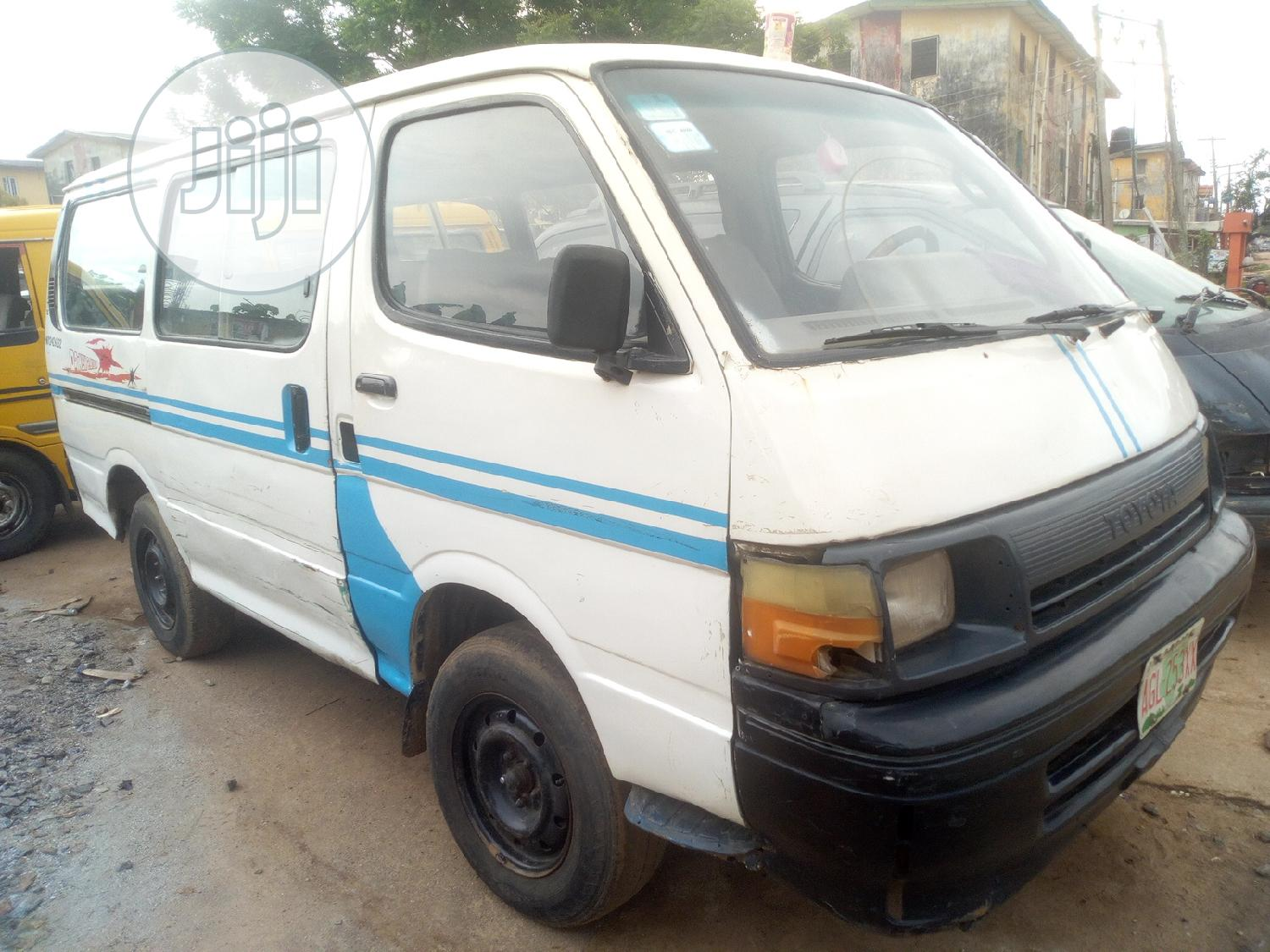 Toyota Hiace 1999 White | Buses & Microbuses for sale in Alimosho, Lagos State, Nigeria