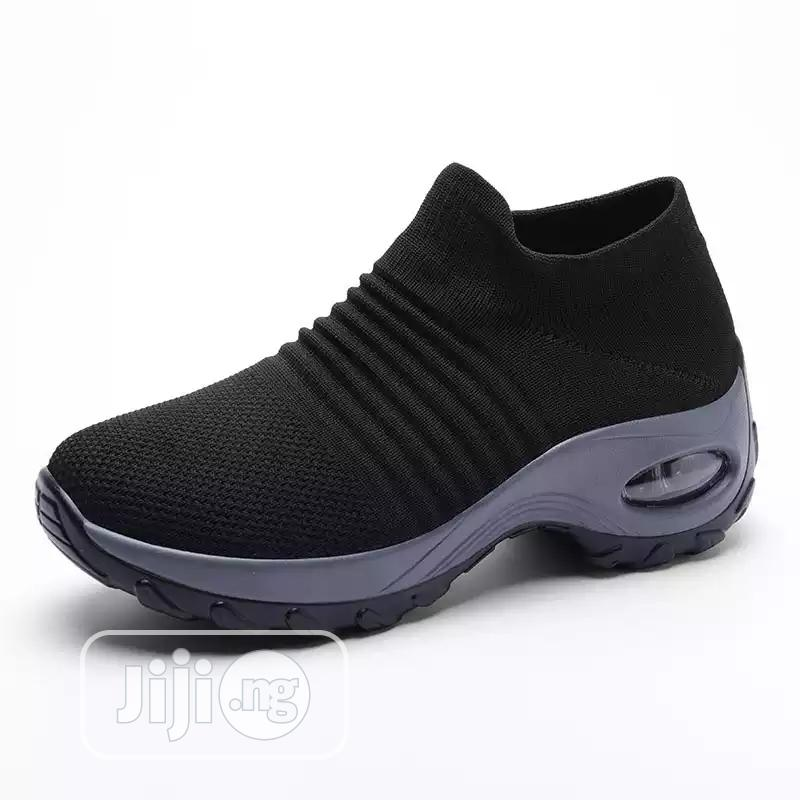 Archive: Outdoor Classy Fashionable Sneakers Shoes