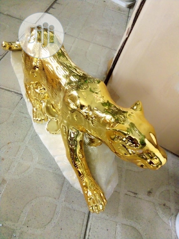 Super Unique Breakable Gold Color Lion Decor