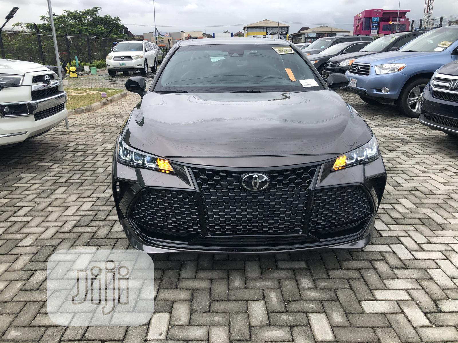 Archive: Toyota Avalon 2019 Gray