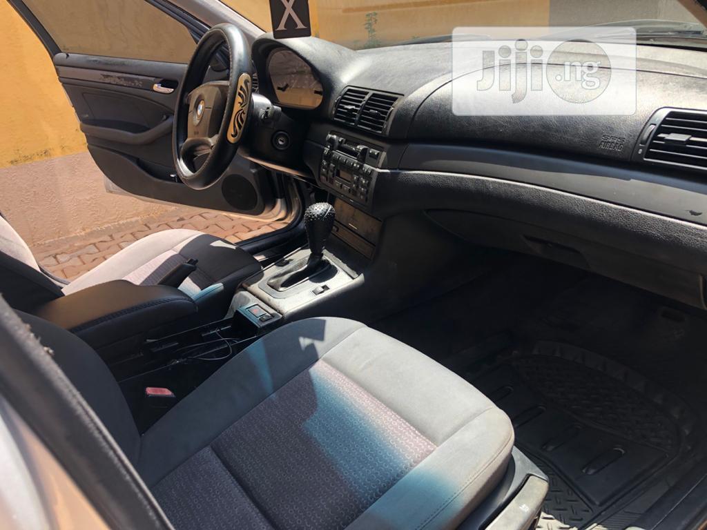 Archive: BMW 325i 2004 Silver