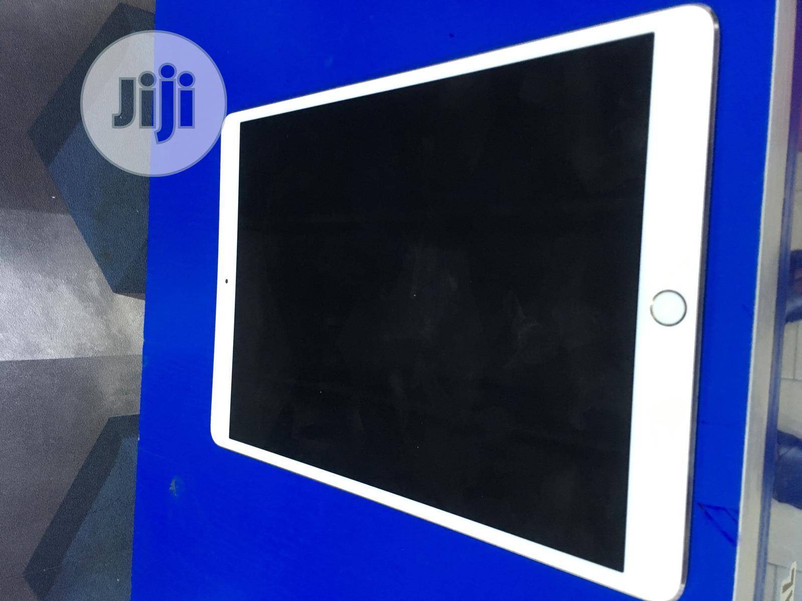 Apple iPad Pro 10.5 64 GB Gray
