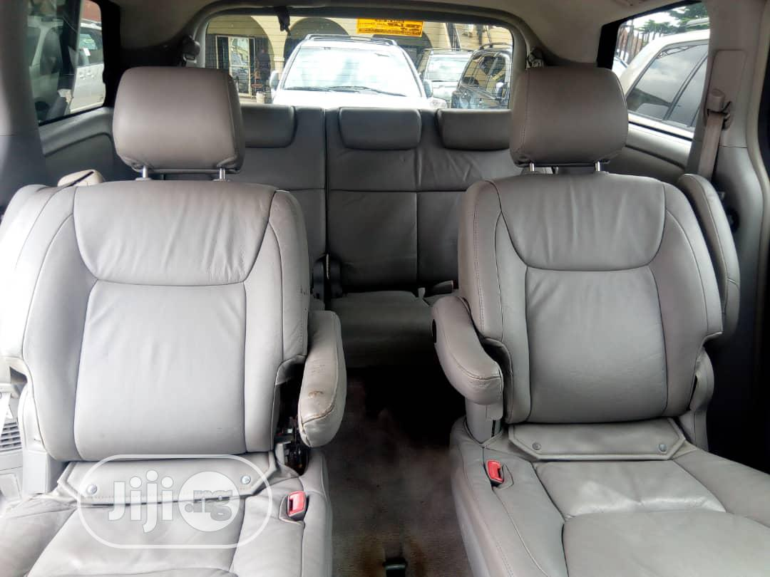 Archive: Toyota Sienna LE 4WD 2007 Green