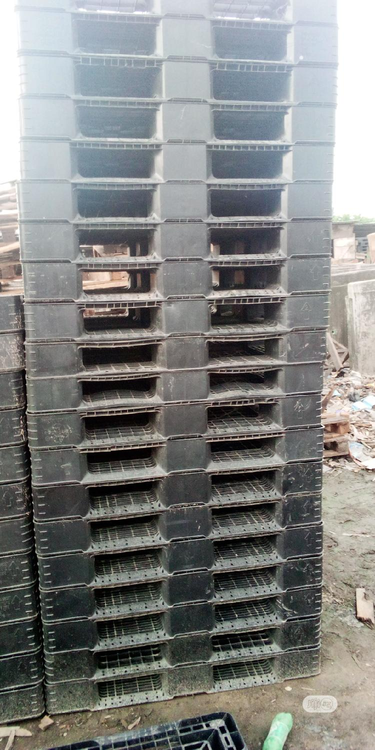Rugged And Durable Hezvy Duty Pallets
