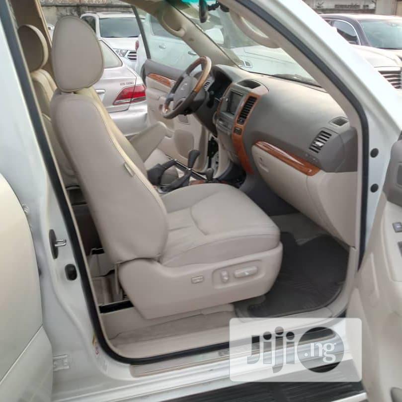 Archive: Lexus LX 2005 White