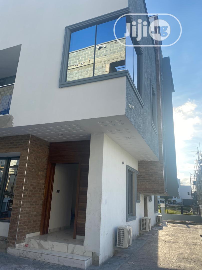 5 Bedroom Duplex At Osapa London
