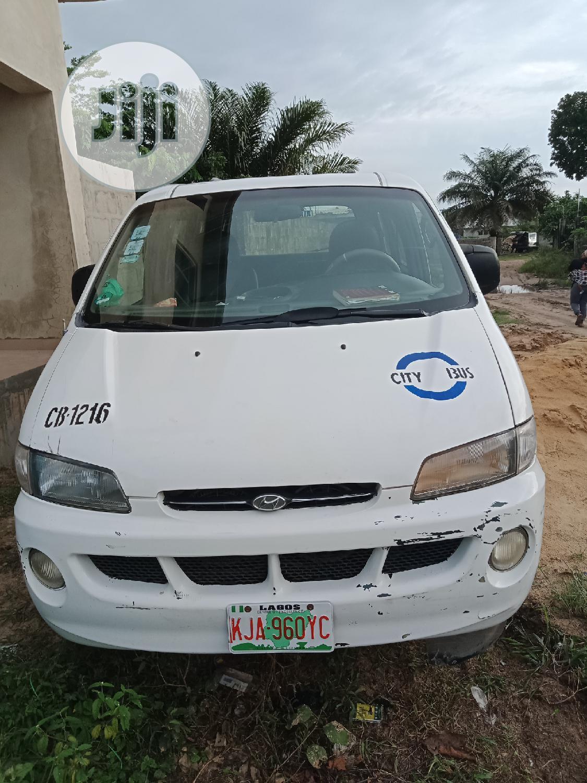 Archive: Hyundai Starex 2000 White
