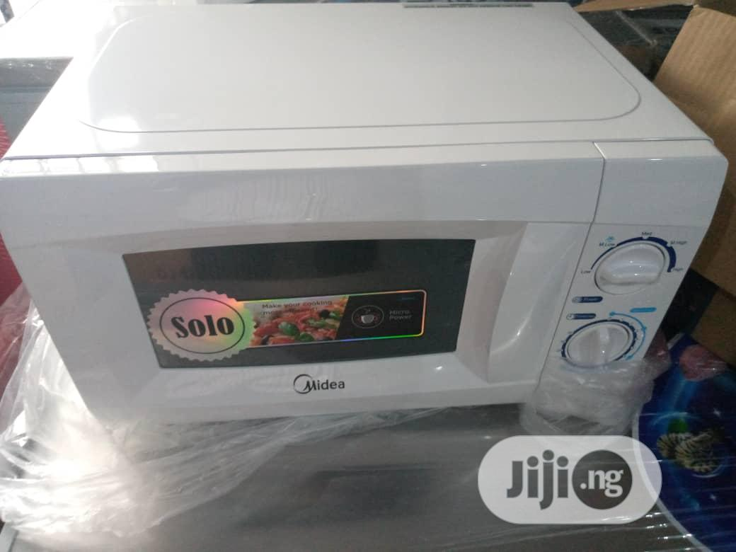 Midea Microwave Oven MM720CKE-PM | Kitchen Appliances for sale in Ibadan, Oyo State, Nigeria