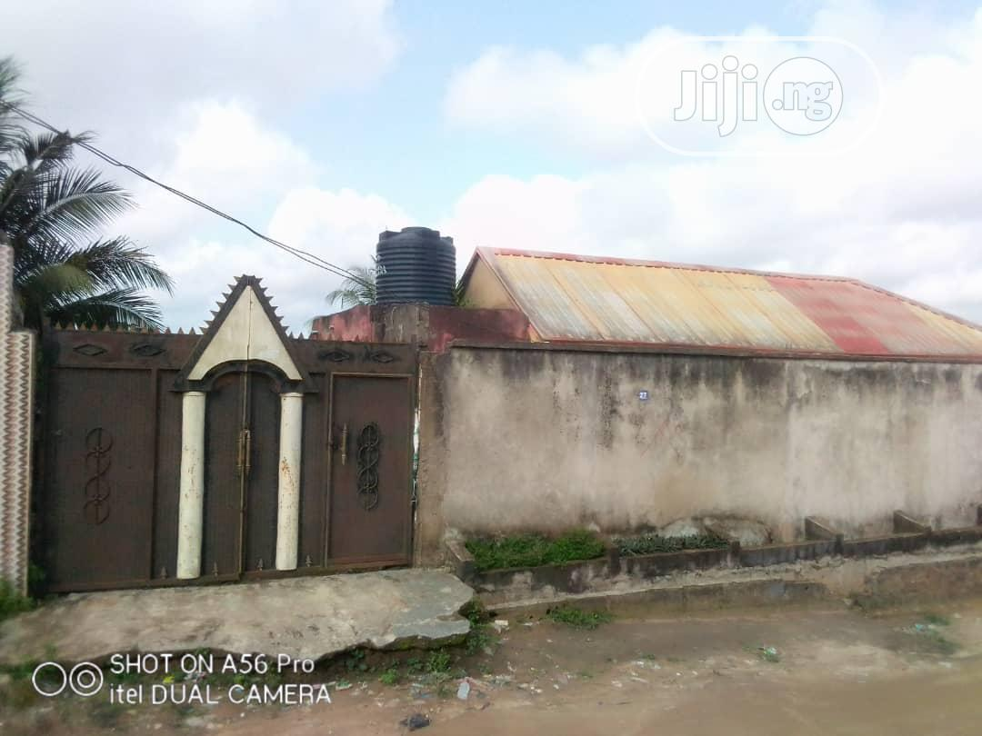 A Full Plot of Land With a 2bedrm Flat for Sale at Lafenwa. | Land & Plots For Sale for sale in Alimosho, Lagos State, Nigeria