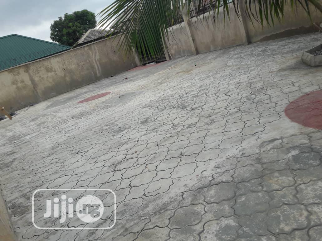 Lovely 3 Bed Room Flat At Magboro Vai Ojodu | Houses & Apartments For Rent for sale in Obafemi-Owode, Ogun State, Nigeria