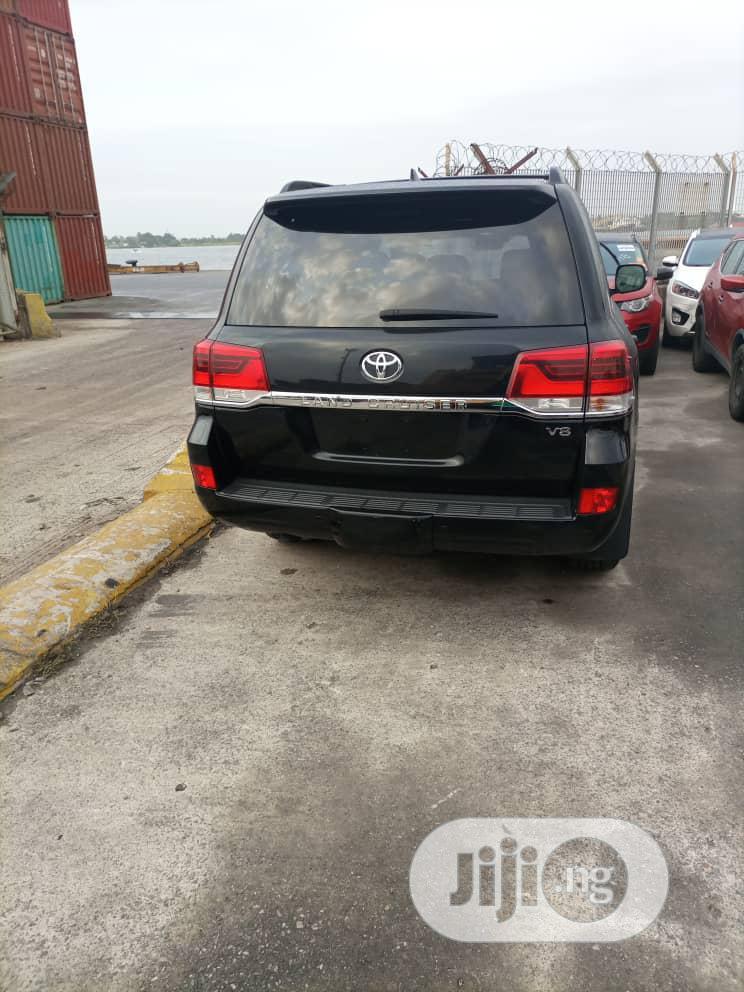 Toyota Land Cruiser 2017 Black