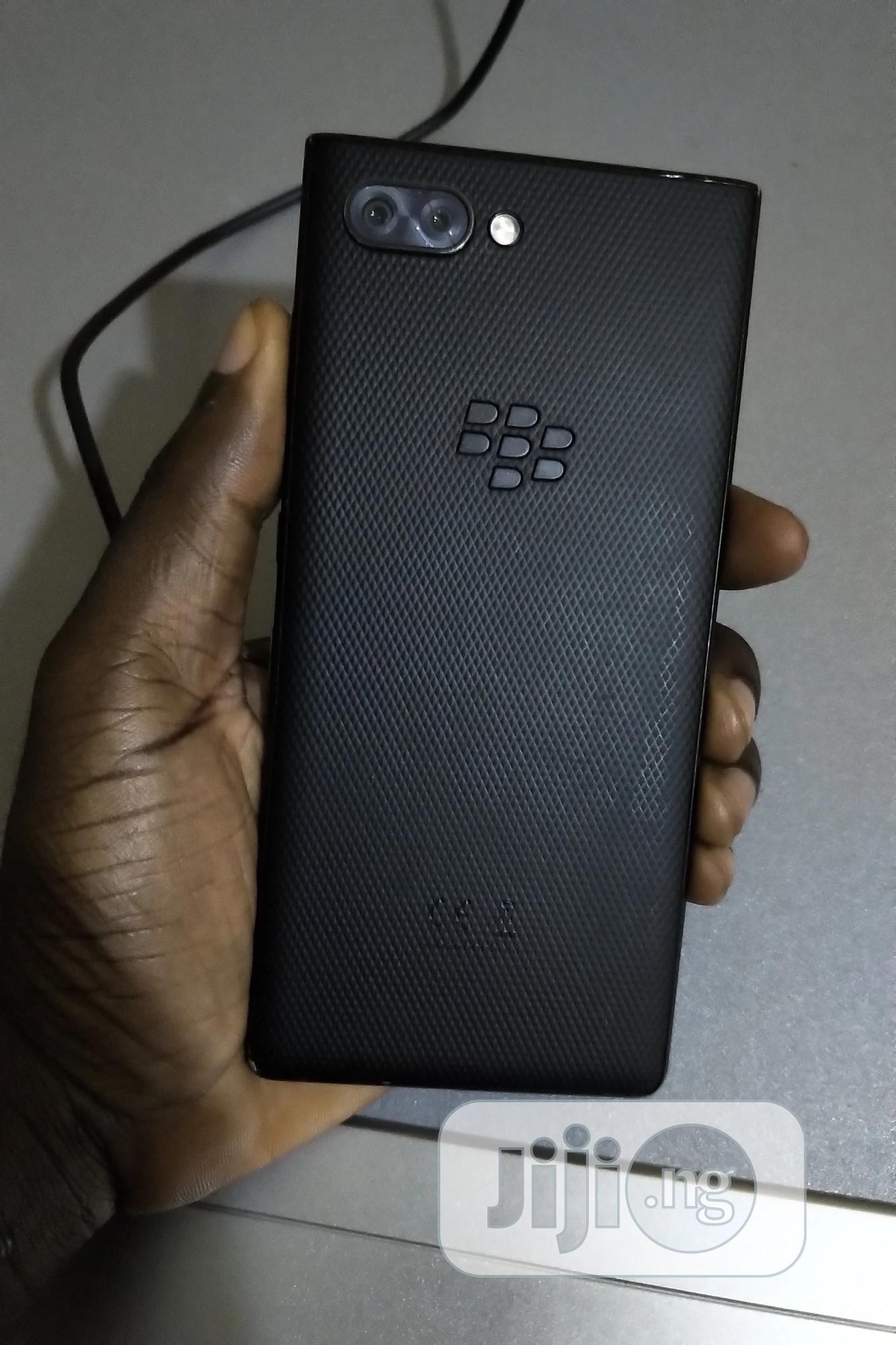 Archive: BlackBerry KEY2 64 GB Black
