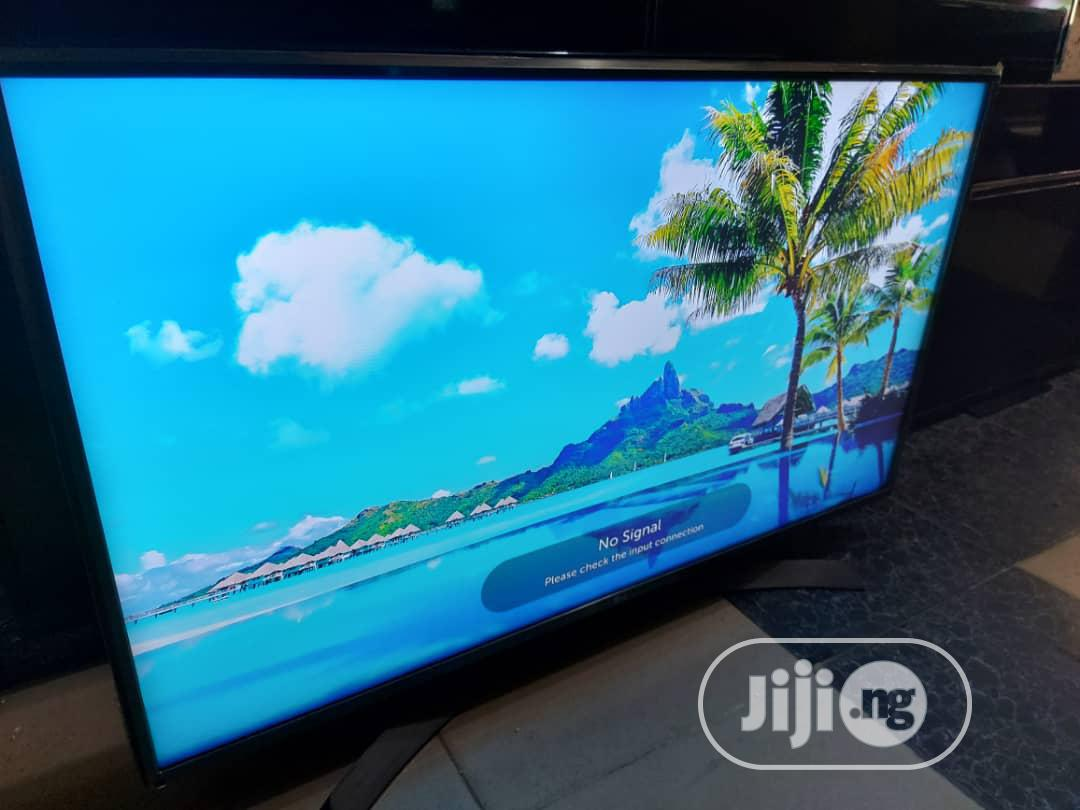 "43"" LG Smart Webos Uhd 4k Tv { UJ670 } 