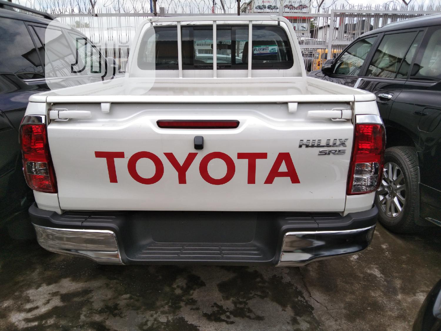 New Toyota Hilux 2019 SR5 4x4 White | Cars for sale in Apapa, Lagos State, Nigeria