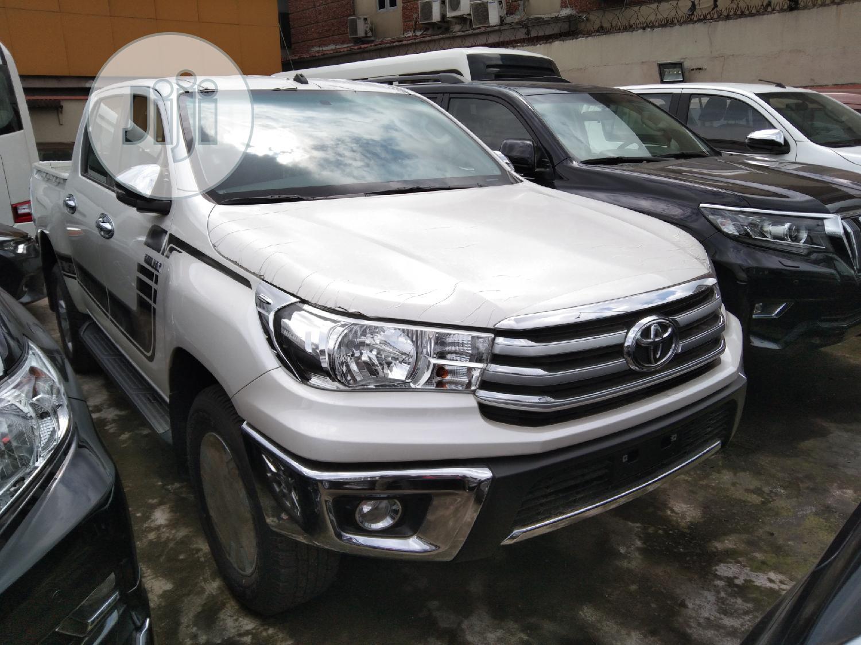 New Toyota Hilux 2019 SR5 4x4 White
