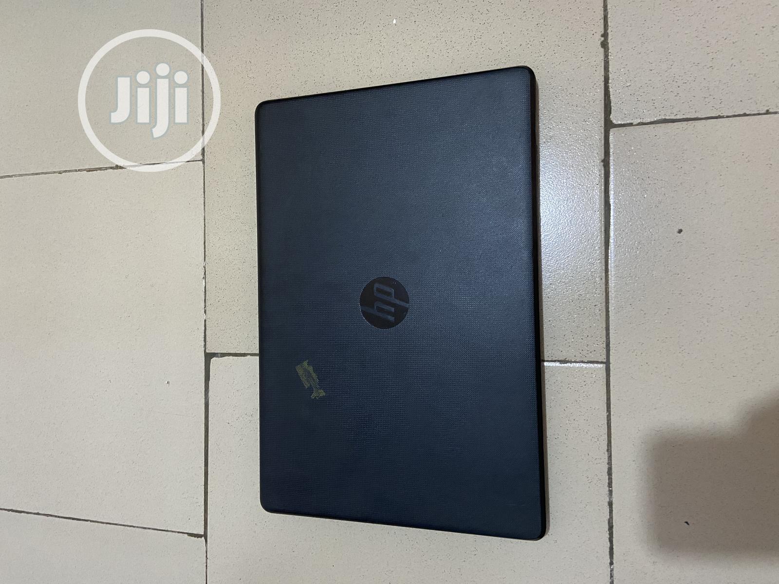 Archive: Laptop HP 8GB Intel Celeron 1T
