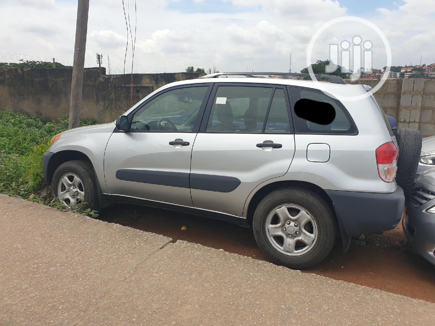 Archive: Toyota RAV4 2004 Automatic Silver