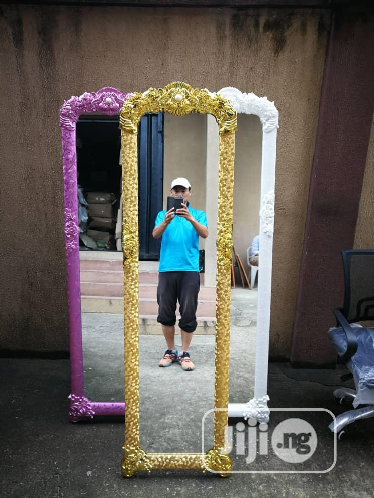 Unique And Quality Standing Mirror
