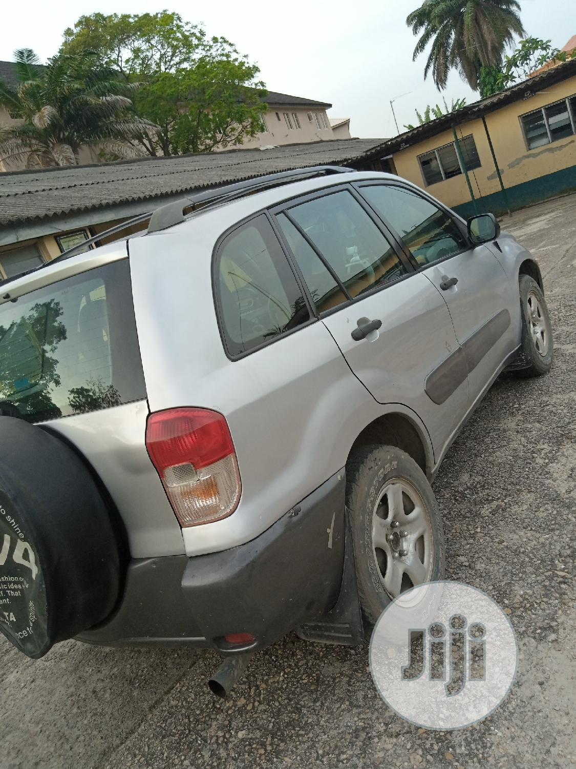 Toyota RAV4 2004 Automatic Silver   Cars for sale in Ikoyi, Lagos State, Nigeria