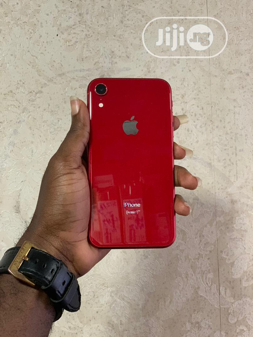 Archive: Apple iPhone XR 64 GB Red
