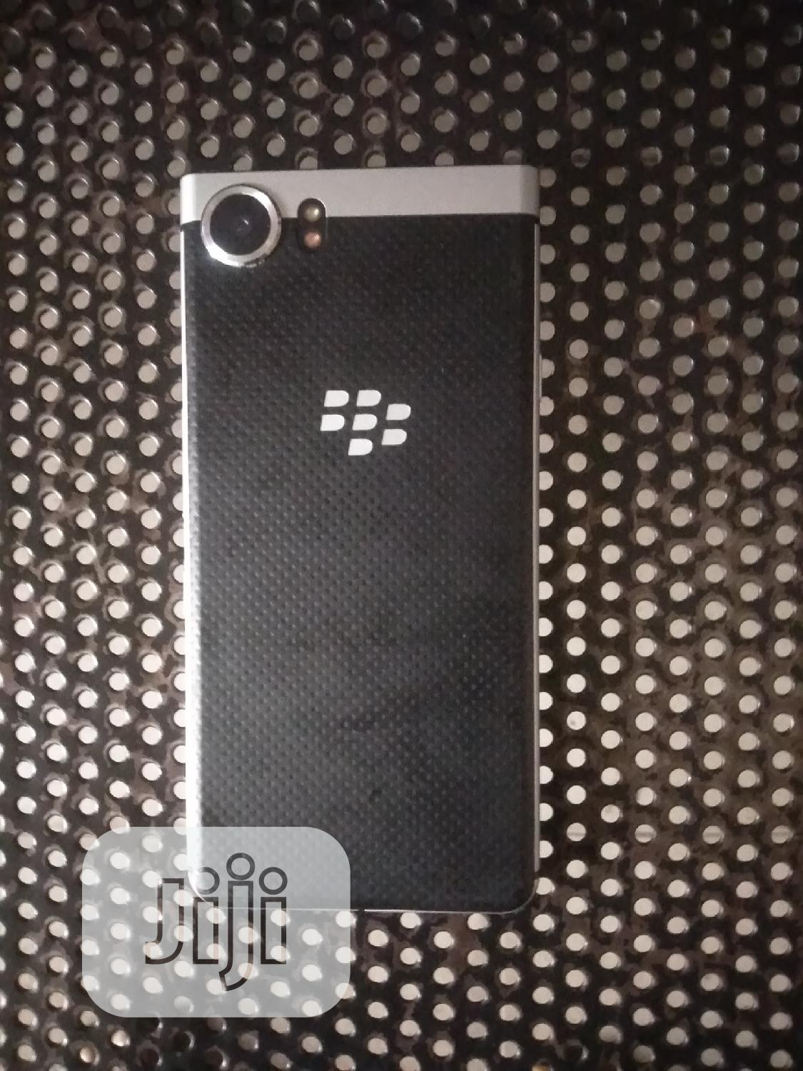 Archive: BlackBerry Classic 16 GB Gray