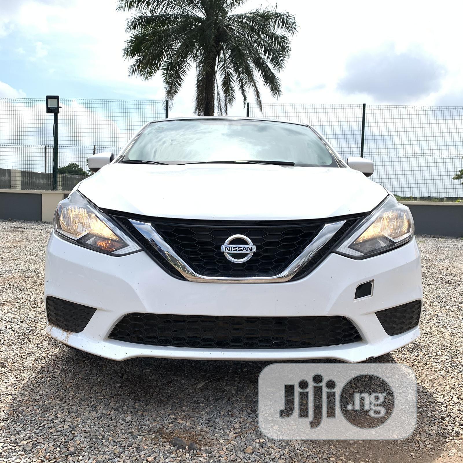Archive: Nissan Sentra 2016 White