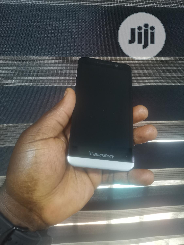 BlackBerry Z30 16 GB Black