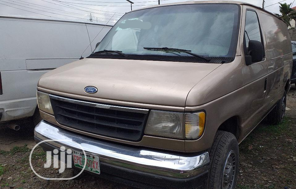 Registered Ford E-350 Econoline 2003 | Buses & Microbuses for sale in Ikeja, Lagos State, Nigeria