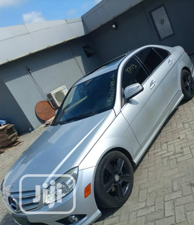 Mercedes-Benz C300 2009 Silver | Cars for sale in Victoria Island, Lagos State, Nigeria