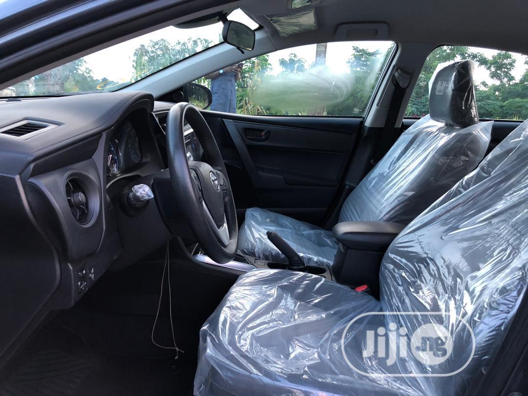 Archive: Toyota Corolla 2017 Gray