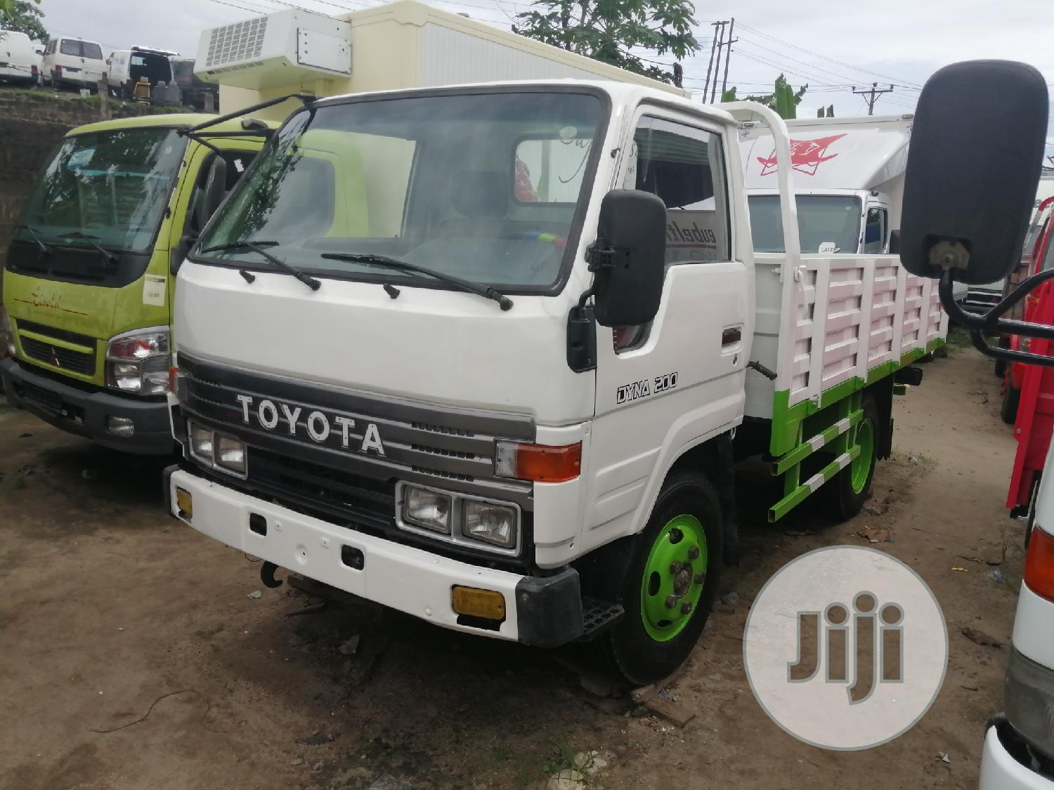 Toyota Dyna 200 Normal Handd | Trucks & Trailers for sale in Apapa, Lagos State, Nigeria