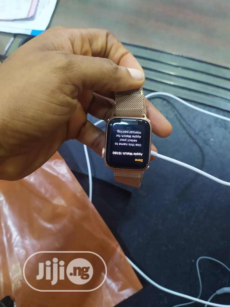 Archive: Apple Series 6 Watch