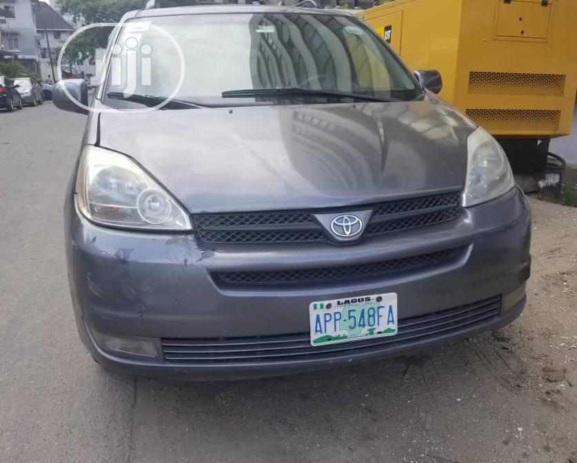 Toyota Sienna 2005 Gray In Ikoyi Cars Rozans Global Autos Jiji Ng For Sale In Ikoyi Buy Cars From Rozans Global Autos On Jiji Ng