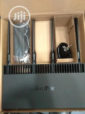 Mikrotik MIKROTIK (Rb4011igs+5hacq2hnd-in) (Lice   Networking Products for sale in Lagos State, Ikeja