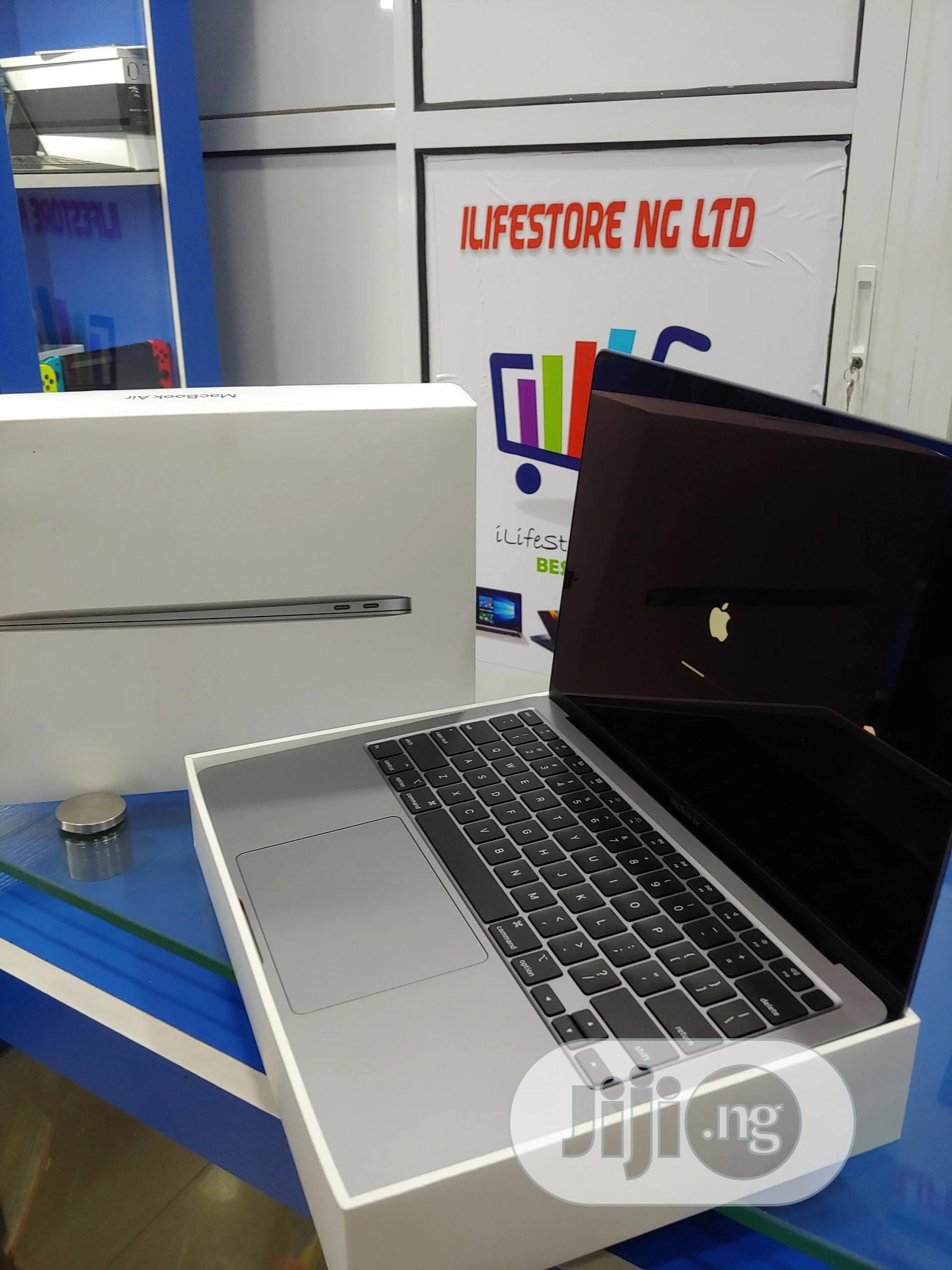 Archive: Laptop Apple MacBook Air 8GB Intel Core i3 SSD 256GB